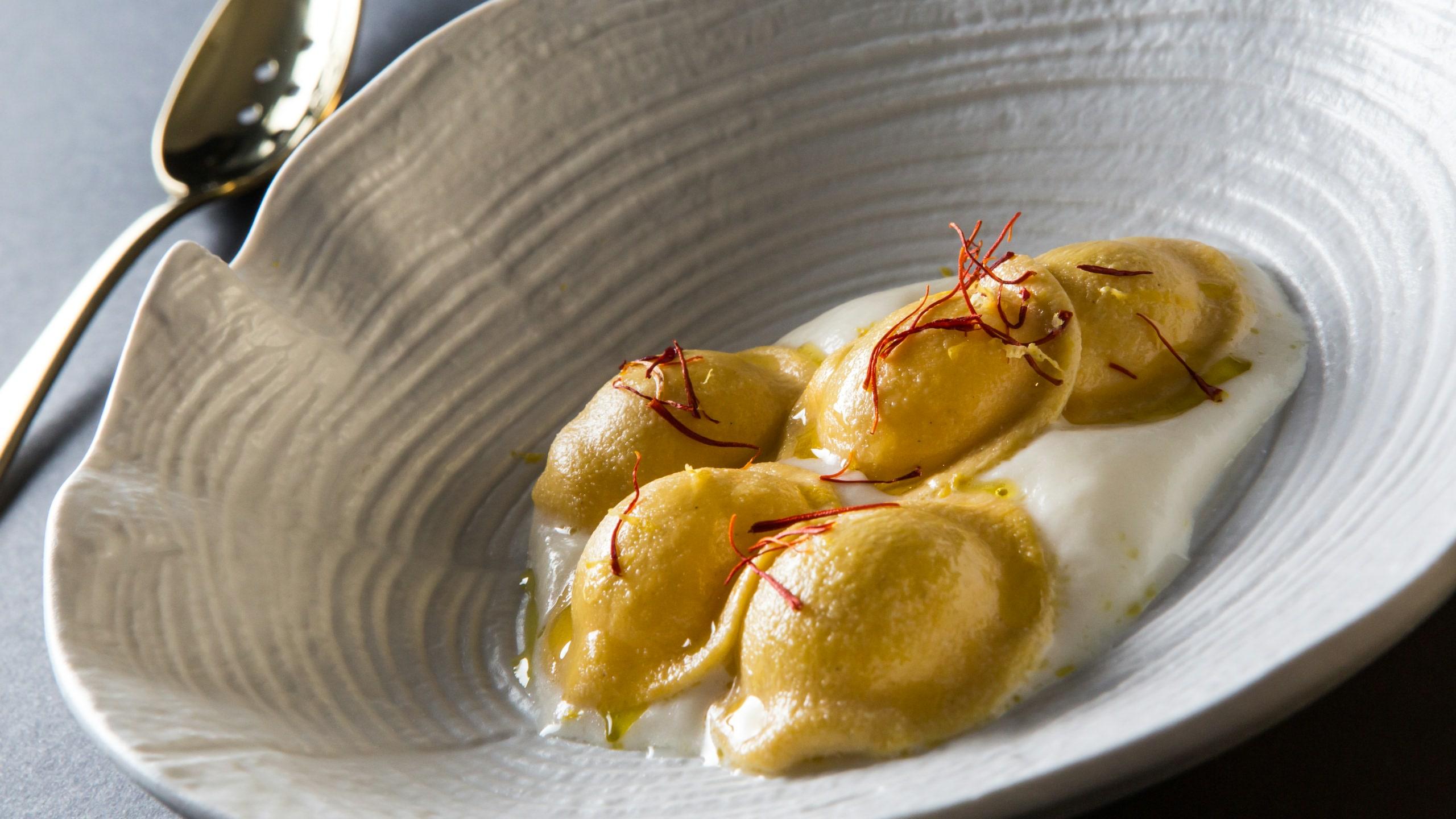 all-oro-cappelletti-in-brodo-asciutto-parmigiano-zafferano-limone